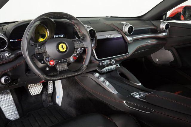 Ferrari GTC4Lusso V12