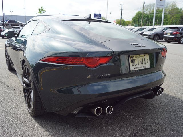 2015 Jaguar F-TYPE V8 R