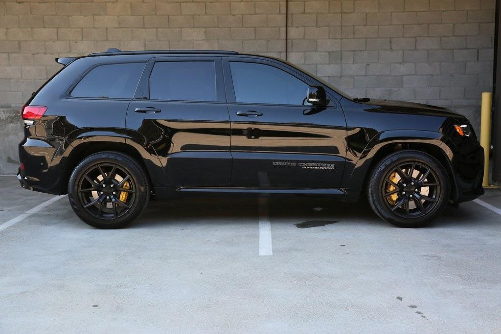 Jeep   Auto-Hype